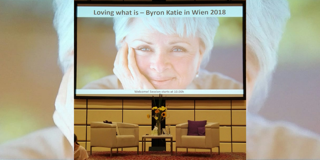 Bühnenbild Byron Katie Workshop