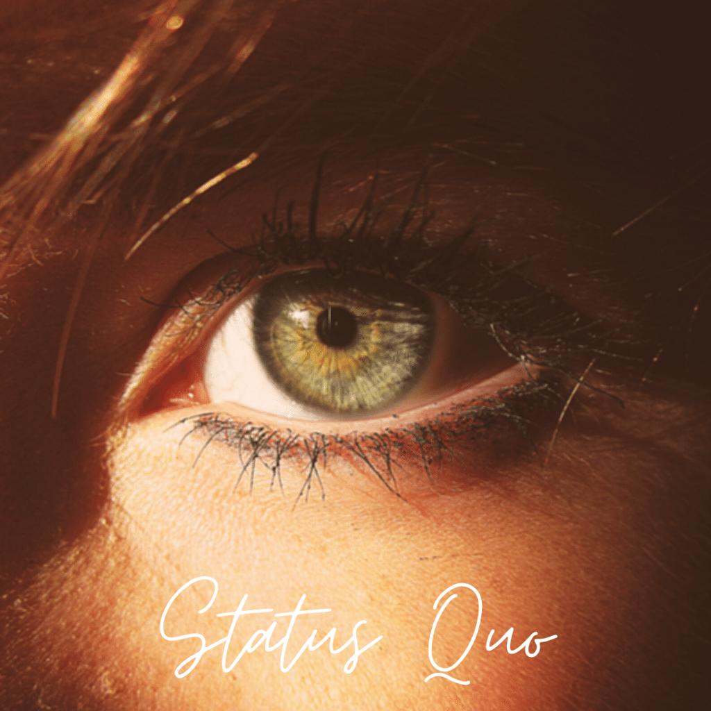 grünes Auge im Fokus