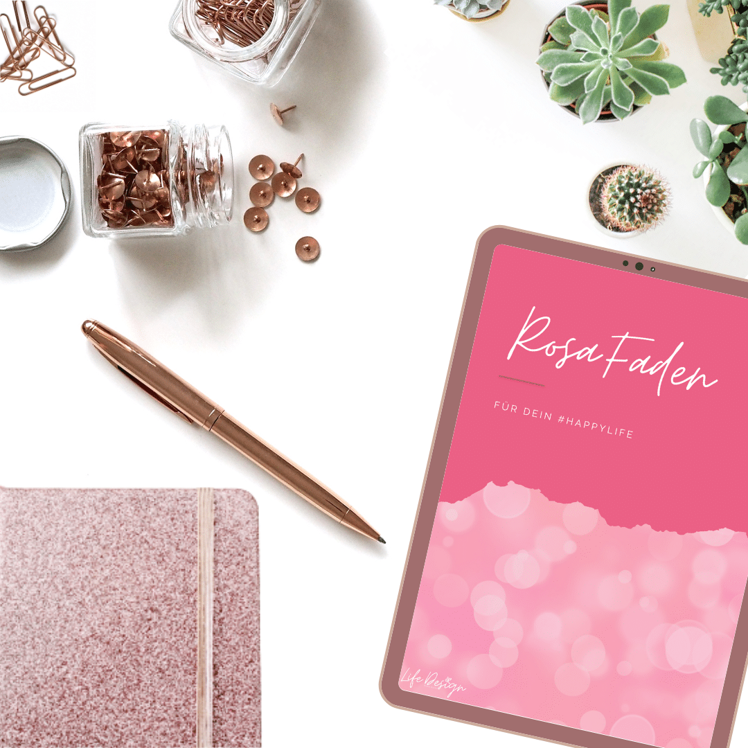 "Notizbuch, Stift, Büroklammern, Reisszwecke, Sukkulenten, Tablet mit Anzeige ""Rosa Faden"". rosegold"